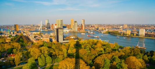 Photo sur Aluminium Rotterdam panoramic view of the city of rotterdam