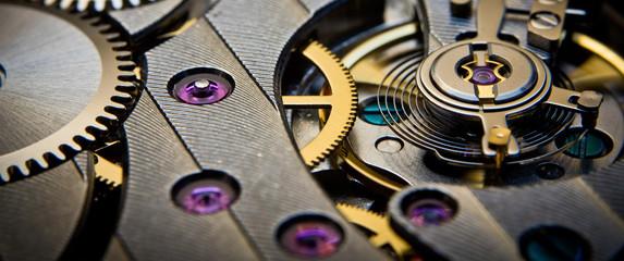 mechanism of old clock