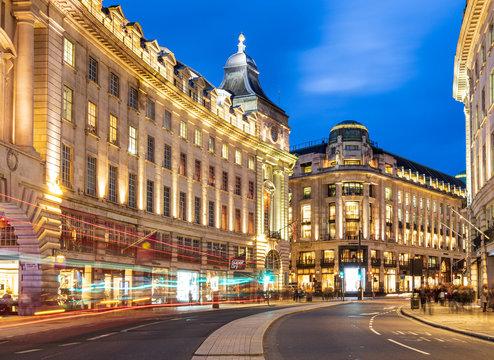 ロンドン ピカデリー・サーカス 夜景
