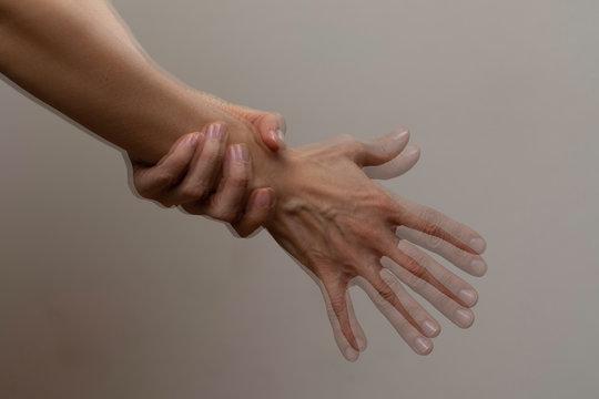 Trembling hand problem, nervous gesture
