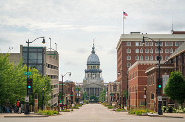 Street View of the Illinois State Capitol Building