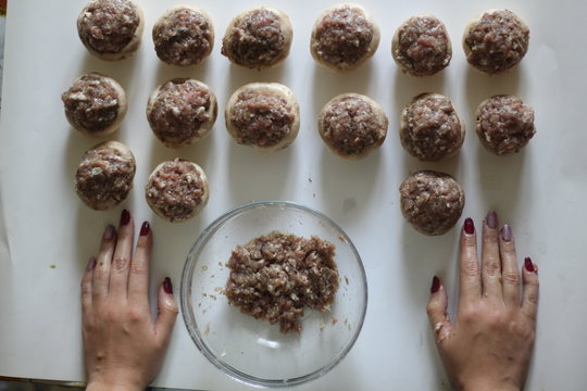 preparation of mushrooms for stuffing