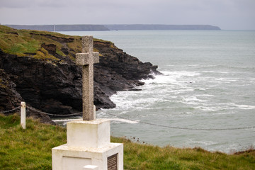 Memorial to those drowned near Porthleven but buried on cliffs