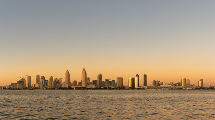 Skyline von San Diego Kalifornien im Abendlicht