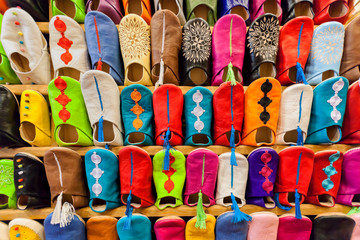 Foto auf Leinwand Marokko Colorful moroccan babouches shoes.