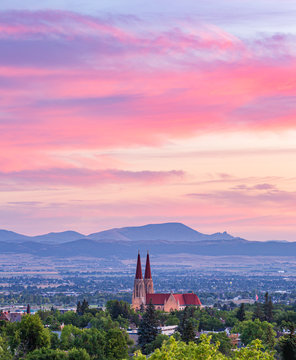 Sunrise in Helena with the sleeping Giant and the Cathedral