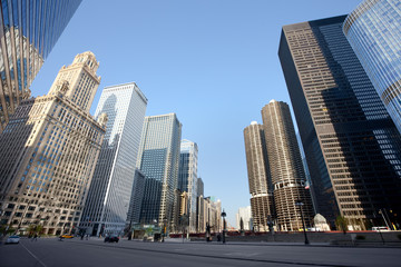 Photo sur Aluminium Chicago Skyline from Wacker Drive at downtown Chicago, Illinois, USA