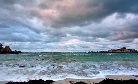Paysage de mer à Trégastel en Bretagne . France