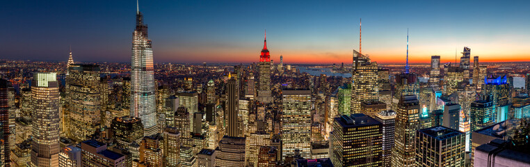 Fototapete - New York City manhattan evening skyline