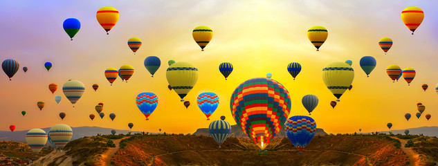 Fotobehang Ballon hot air balloons Summer Sunset Landscape ballooning