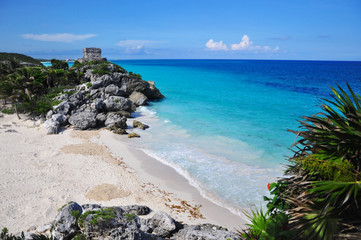 God of Winds Temple at Tulum archeological site, a pre-columbian Mayan City, Tulum, Yucatan, Mexico, Central America.