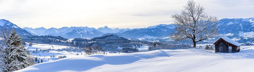 Wall Mural - Ausblick auf die Allgäuer Alpen im Winter