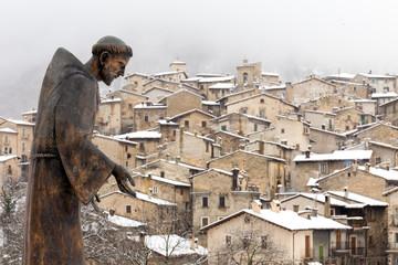 San Francesco con sullo sfondo Scanno