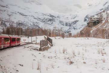 Bernina, Alp Grüm, Gletscher, Palü Gletscher, Piz Palü, Piz Varuna, Piz Canton, Alpen, Graubünden, Zugstrecke, Berninapass, Val Poschiavo, Winter, Schweiz