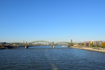 südbrücke , eisenbahnbrücke in köln, deutschland