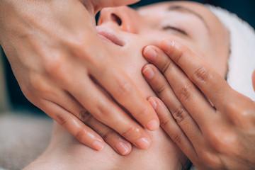 Face Lifting Fitness Massage