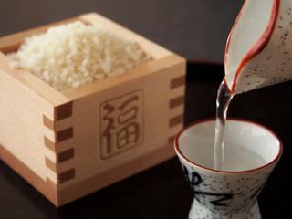 日本酒 米酒 猪口と徳利