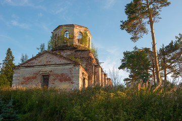 The destroyed Church of the Blessed Virgin (1825-1836) in the village of Korotsko. Russia, Novgorod region