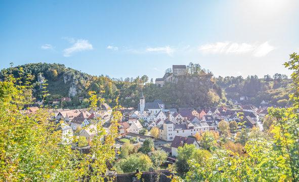 Pottenstein, Fränkische Schweiz, Blick auf Burg Pottenstein