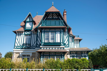 Traditionelle Architektur in Trouville-sur-Mer, Normandie, Frankreich