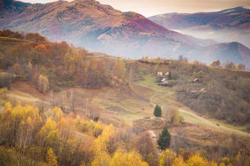 Autocollant pour porte Orange eclat Autumn golden colors mountain landscape