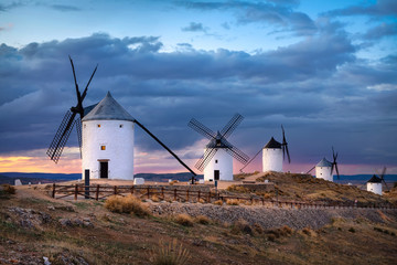 Photo sur Aluminium Marron chocolat Windmills of Consuegra on sunset, Castilla-La Mancha, Spain