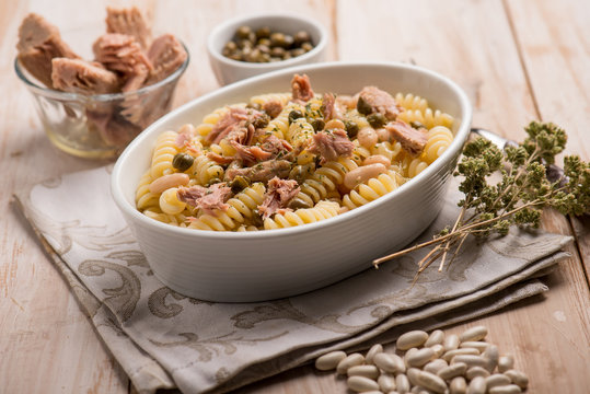 pasta with tuna white beans capers and oregano