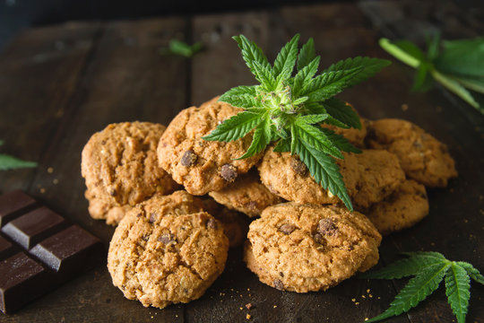 Chocolate chip cookies with marijuana