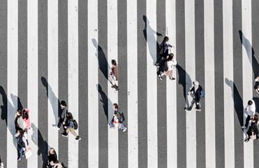 Photo sur Aluminium Tokyo Zebra crossing Ginza street crowd walk on crosswalk Tokyo Japan