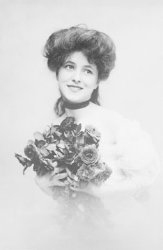 Evelyn Nesbit (1884-1967), a beautiful young woman who worked as an artist model and a chorus girl
