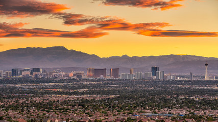 Poster Las Vegas Panorama cityscape view of Las Vegas at sunset in Nevada, USA