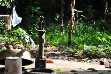 カンボジア集落の風景と井戸