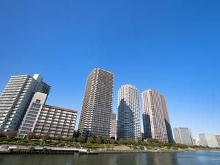 Fototapete - 臨海エリアのタワーマンション