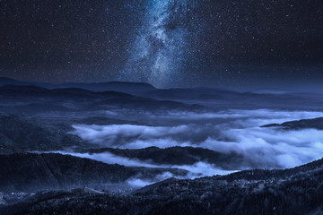 Fototapete - Milky way over Tatra Mountains at night in Poland