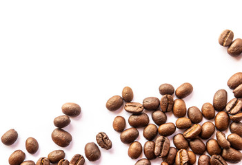 Fotobehang Koffiebonen coffee beans on white background
