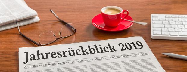 Zeitung auf Schreibtisch - Jahresrückblick 2019