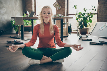 Stores à enrouleur Ecole de Yoga Work anti-stress concept. Full size photo of dreamy ceo worker woman have much job problems sit floor try calm practice yoga exercise meditate in messy big company office