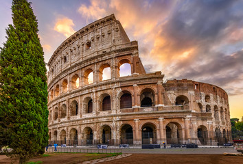 Sunrise view of Colosseum in Rome, Italy. Architecture and landmark of Rome. Postcard of Rome. Fototapete
