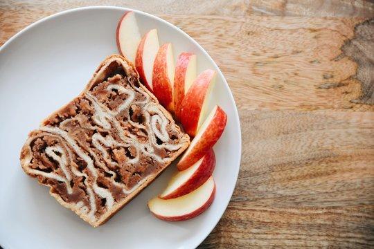 apple dessert bread povitica
