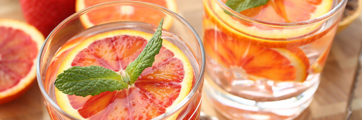 Photo sur Plexiglas Bar Red orange punch home made cocktail closeup