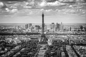 Door stickers Paris Aerial scenic view of Paris with the Eiffel tower and la Defense business district skyline, black and white
