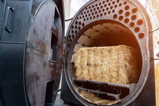 Industrial straw-burning boiler for heating large rooms