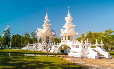 Foto auf Leinwand Kultstatte Wat Rongkun - the white temple in Chiangrai, Thailand