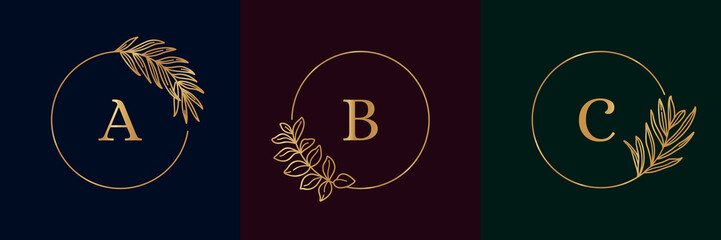 Set of Logos with Golden tropical palm leaf. Round frame in trendy minimal linear style. Vector Emblem with Palm and olive branch. For logo cosmetics, beauty Studio, hairdresser, hand made, jewelry Wall mural