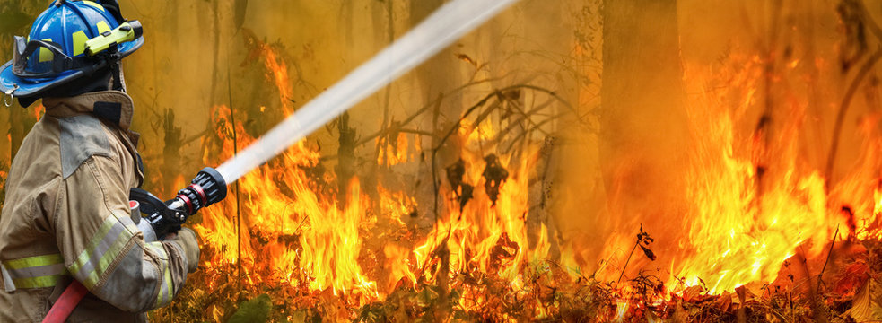 Australia bushfires, The fire is fueled by wind and heat.