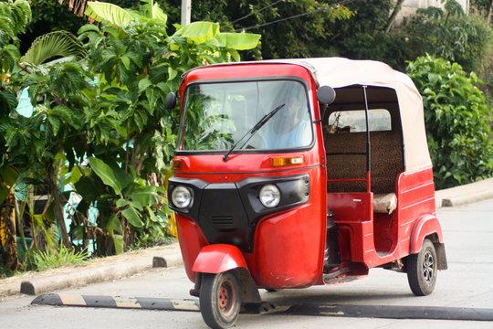 tuktuk of Roatán