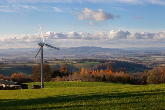 Wind power in the Cotswolds, Gloucestershire, England