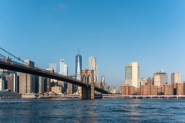 landscape picture of the city of new york and the brooklyn bridge