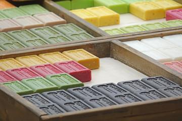 Seife auf einem Markt in Frankreich Fototapete