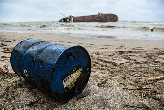 shipwreck tanker sank in a storm